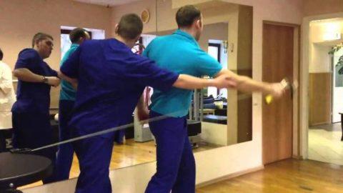 Упражнения проводятся под руководством инструктора