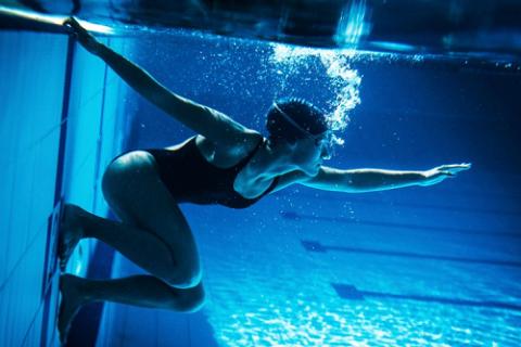Лечебное дозированное плавание – лучшая форма реабилитации после переломов