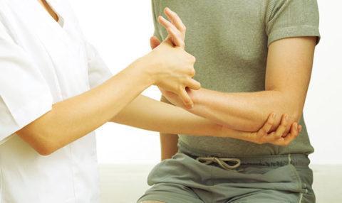 Рекомендации к предоставлению первой медицинской помощи при переломах кости руки