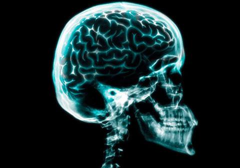 Механизм возникновения линейных и других повреждений целостности костей черепа