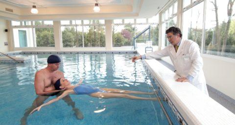 Польза бассейна для спины