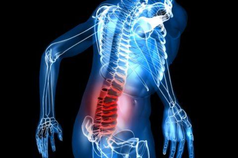 Симптоматические проявления полученной травмы в области спины и позвоночного столба