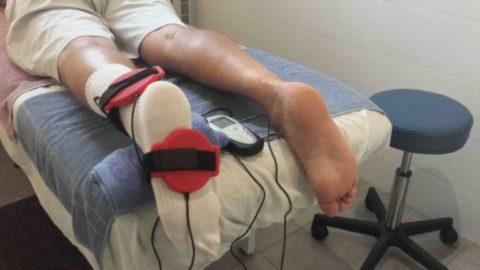 Пациент на сеансе магнитотерапии