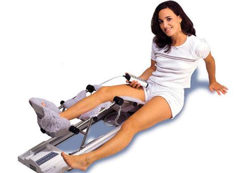 Пассивная разработка колена после снятия гипса поможет избежать развития осложнений