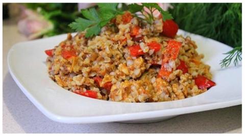 Плов из гречки, говядины и болгарского перца – идеальное второе блюдо при отёках после переломов