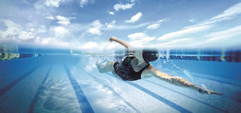 Если есть возможность, обязательно ходите в бассейн. Плавайте, но не прыгайте с тумбочки или вышки
