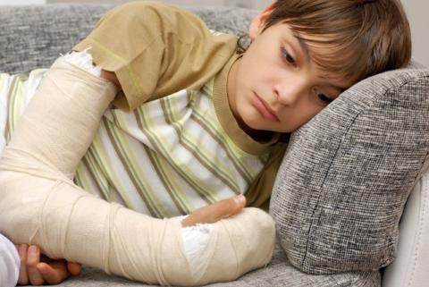 Снятие болевого синдрома – одна из первостепенных задач в лечении переломов