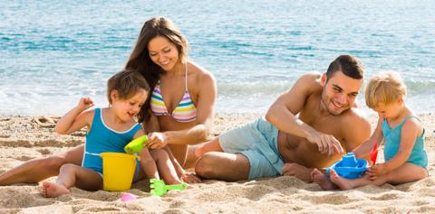 Первые солнечные ванны следует ограничить 20 минутами до 12-00 или после 16-00