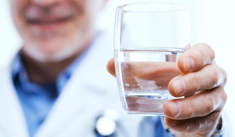 Для качественной регенерации костной ткани организму необходима вода – 2-2,4 л/сут